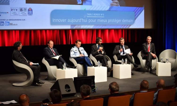 Colloque « La transformation au cœur de la gendarmerie »: table ronde animée par François CAZALS